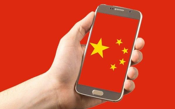 China obliga a los turistas a instalar un software espía en sus móviles