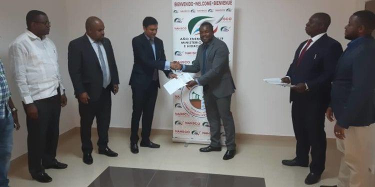 La NAHSCO recibe una donación de fondos de la empresa IGESA y GOLDEN SWAN