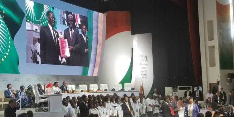 S.E. Obiang NGUEMA MBASOGO, ha depositado hoy en Niamey (Niger) el instrumento de Ratificación de la Zona de Libre Comercio