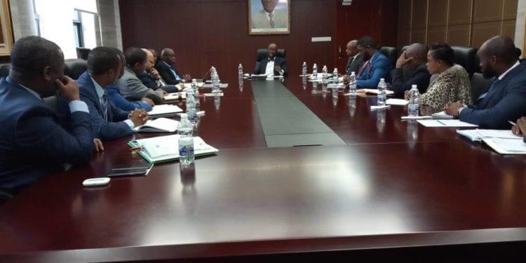 El Ministerio de Hacienda, Economía y Planificación se reúne con el sector bancario que opera en nuestro país