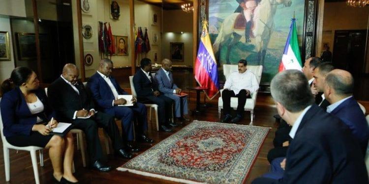 Encuentro entre el presidente de Venezuela y el Ministro Delegado de Asuntos Exteriores Ecuatoguineano.