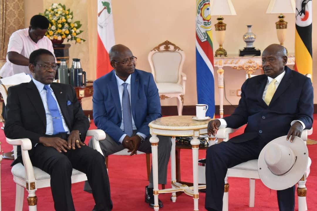 Palacio Presidencial, donde las dos delegaciones encabezadas por sus Jefes de Estado Obiang Nguema Mbasogo de Guinea Ecuatorial y Yoweri Kaguta Museveni de Uganda,