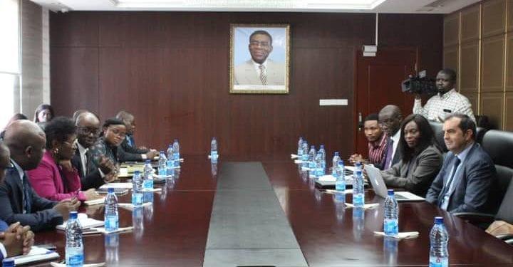 El Ministro de Hacienda, Economía y Planificación se reúne con una misión del PNUD