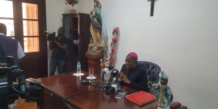 El arzobispo de la archidiócesis de Malabo Juan Nsue Edjang, descarta la hipótesis de que el incendio de la Catedral fuera provocado por una obra humana