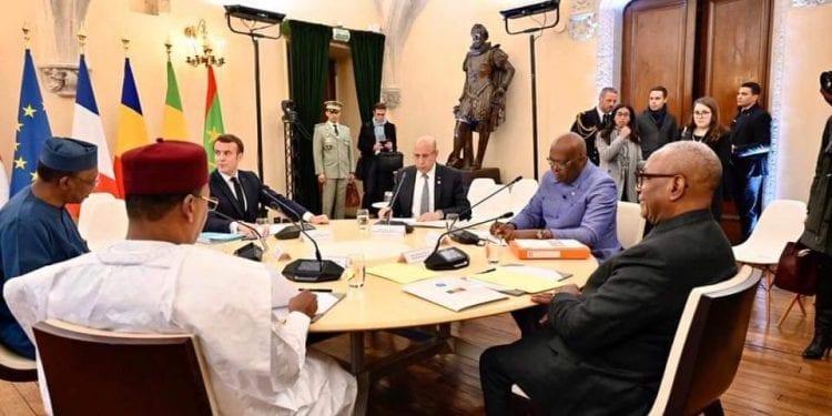 Paris y el G5 del Sahel anuncian que reforzarán su cooperación militar contra el yihadismo en la región.