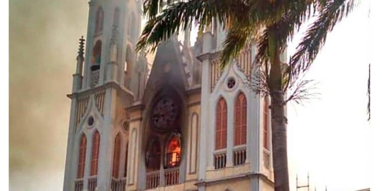BANGE pone a disposición de su clientela un número de cuenta para ayudar a la reconstrucción de nuestra Catedral.