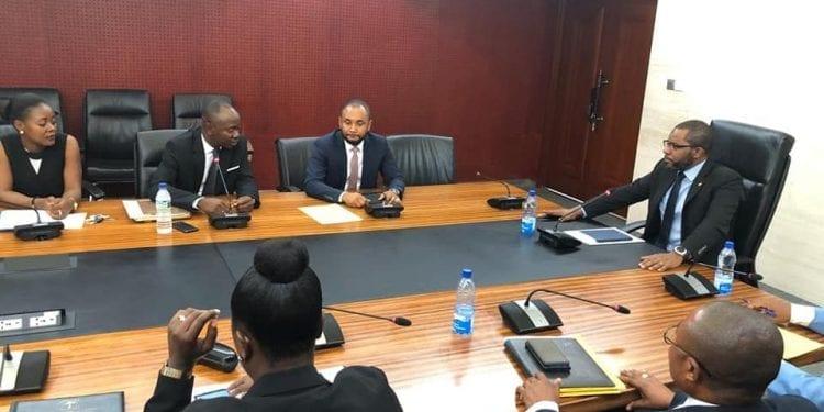 Reunión entre el Ministerio de Minas e Hidrocarburos y los directivos de ITNHGE
