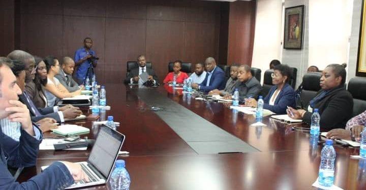 El Ministro de Hacienda, Economía y Planificación ha presidido esta tarde la reunión del economista del PNUD Raymond Gilpin
