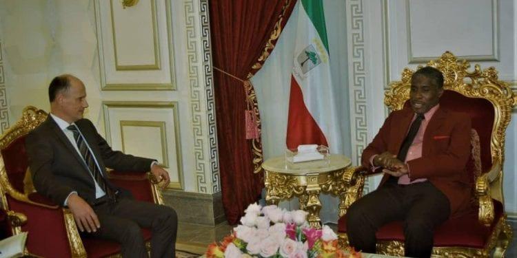 Olivier Brochenin, embajador de Francia expresó solidaridad al gobierno de la república de Guinea Ecuatorial por el incendió ocurrido en la Catedral.