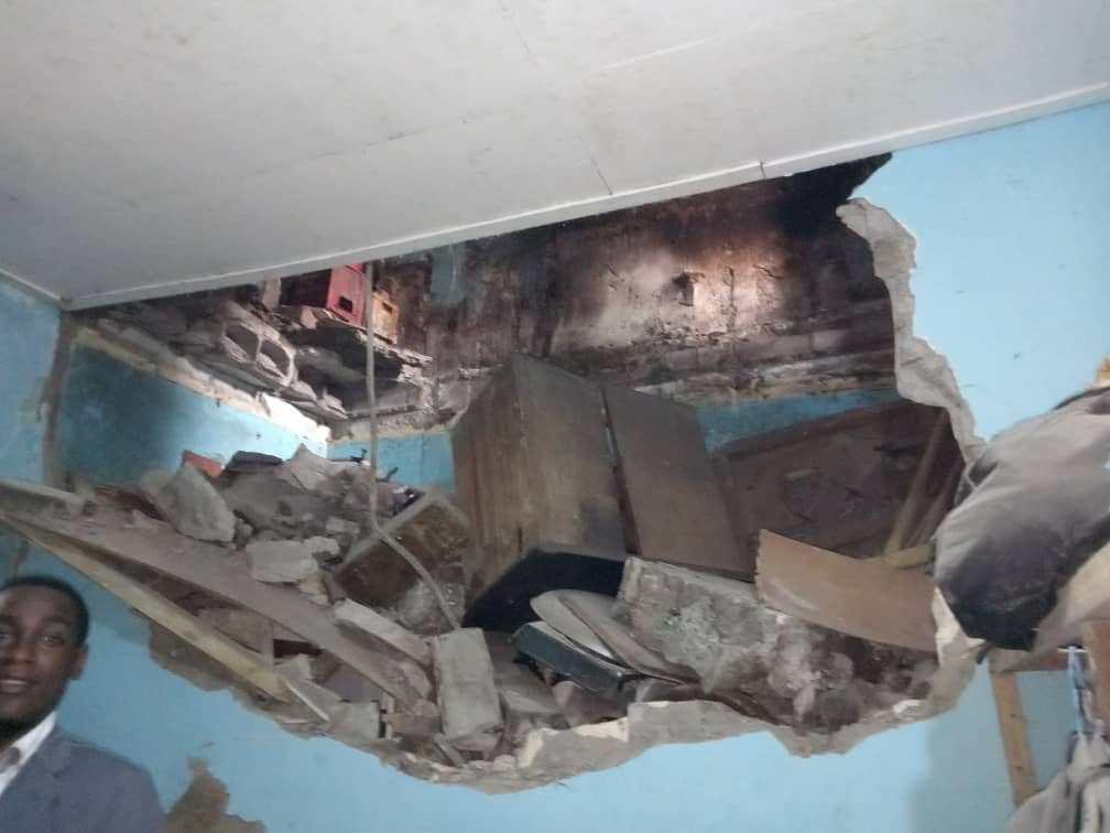 """Los moradores del edificio derrumbado en La Paz todavía residen en él por """"no tener alternativas"""""""