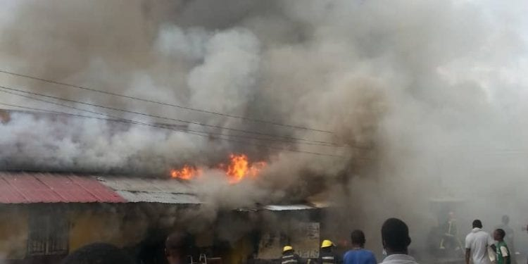 VIDEO: Incendio en el barrio Ibocuata de Ela Nguema