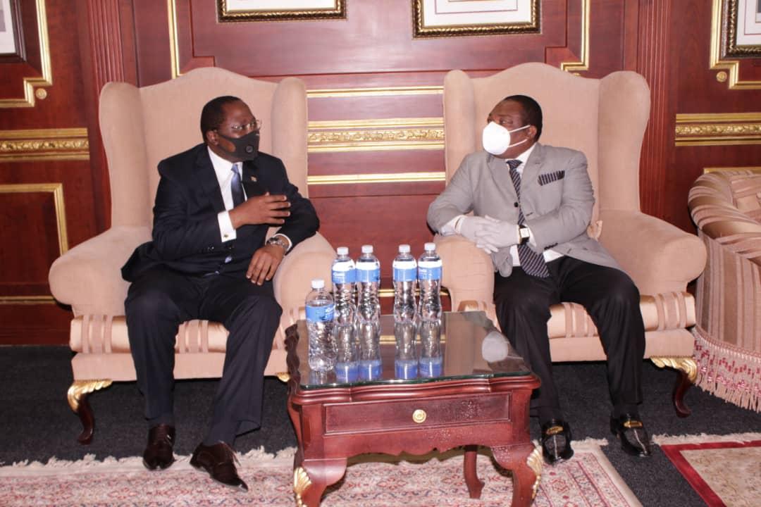 Nguema Obiang Mangue dona al Reino de Eswatini unas 500.000 mascarillas y batas sanitarias.