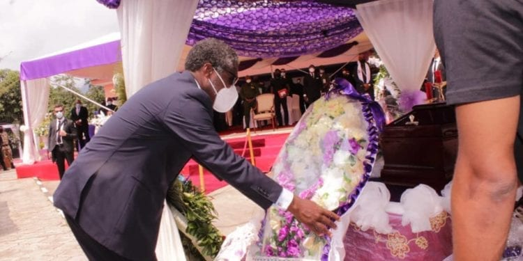 Último adiós a Santiago Nsobeya Efuman Nchama