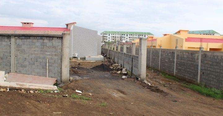 Los reformadores de las viviiendas de la urbanización CAABI-MAQUED siguen desoyendo las instrucciones de Obras Públicas