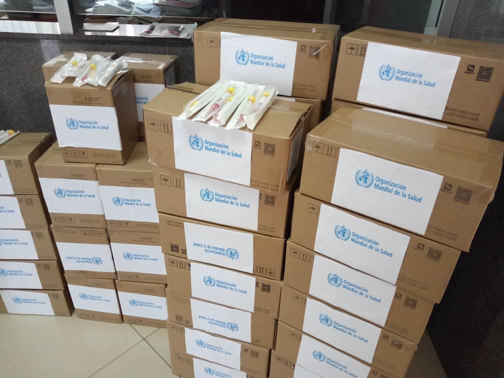 La OMS ofrece Sanidad unos 15,000 hisopos para la toma de muestras