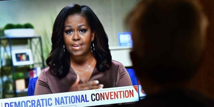 Llamadas a la unidad y ataques a Trump en el inicio de la Convención Demócrata menos convencional