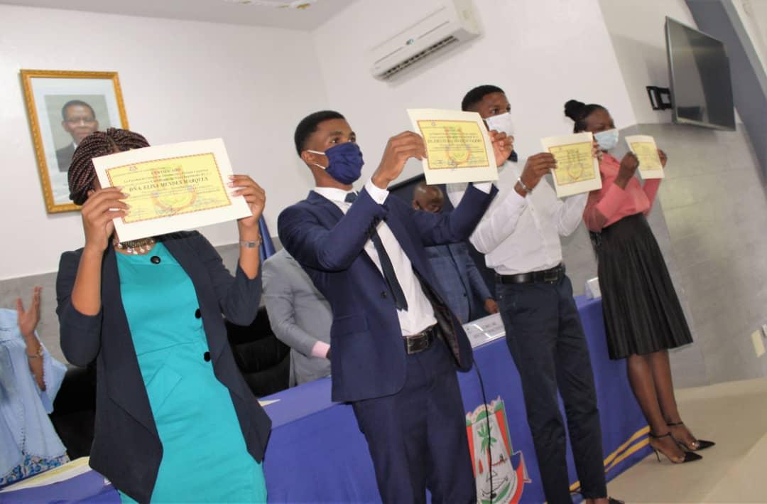 12 jovenes saotomeños becarios superan las bases de formación idiomática para estudiar en la UNGE