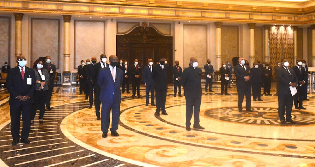 Los 47 miembros del Gobierno juran su cargo