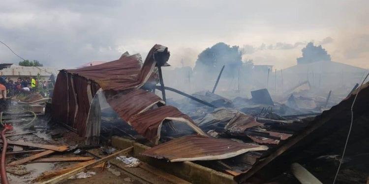 Incendio de gran magnitud en el barrio Porvenir II de Malabo.