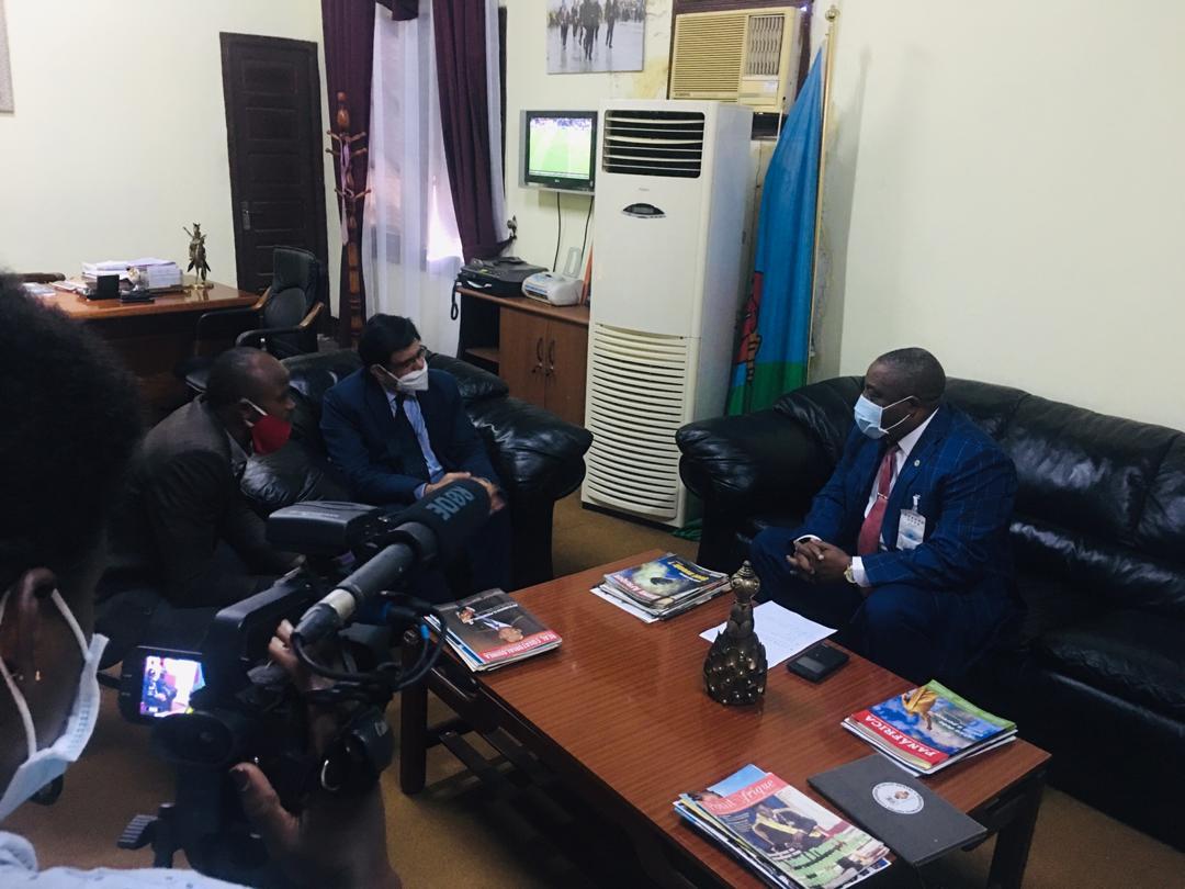 El embajador de la India visita al Gobernador de Bioko Norte