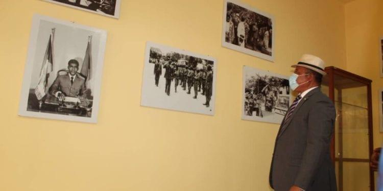 La fundación Amílcar Cabral regala al CCEG una exposición sobre la trayectoria política del Presidente Obiang