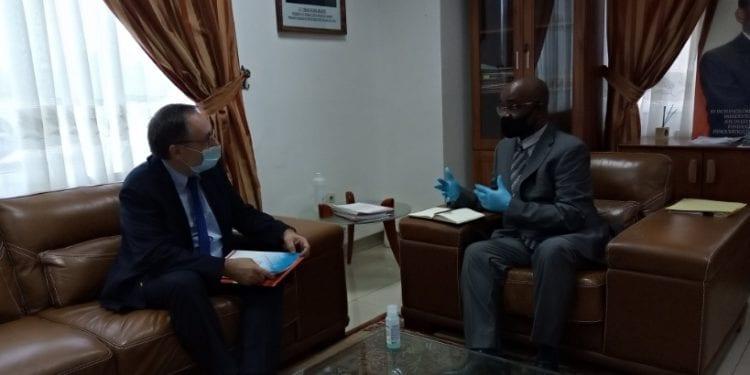 La embajada de Francia en GE oferta cursos de capacitación a médicos ecuatoguineanos