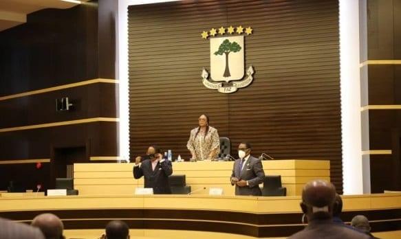Reunión de la Comisión Ad-Hoc Senado-Gobierno