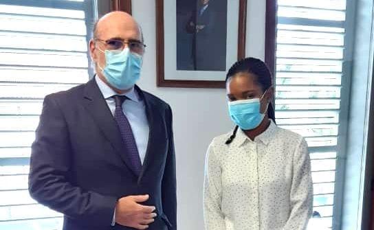 El nuevo Embajador de España en Guinea Ecuatorial conversa con la Directora del periódico digital AhoraEG