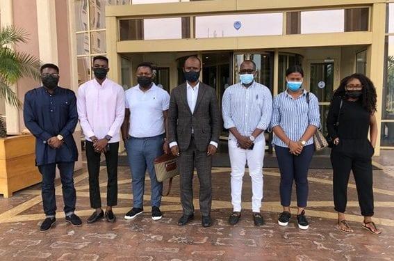 El Director General de Gepetrol visita a un grupo de estudiantes becarios ecuatoguineanos en Ghana