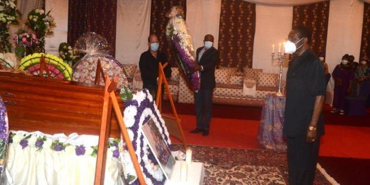 El Presidente de la República asiste a los actos fúnebres de su hermana, Carmen Mbasogo Nguema Mikue