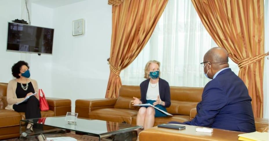 El ministro de Sanidad concede audiencias al representante de Unicef, ONUSIDA y la Embajadora de EEUU en Malabo