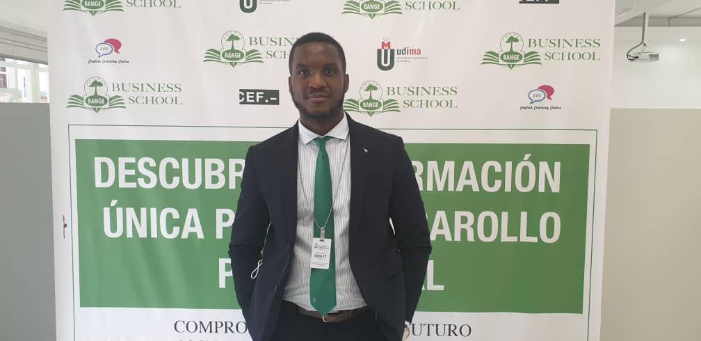 """""""La oferta formativa en BANGE Business School (BBS) está más orientada a las necesidades de las empresas y profesionales"""": Juan Robles, profesor de Banca y Negocios del CEF-UDIMA"""