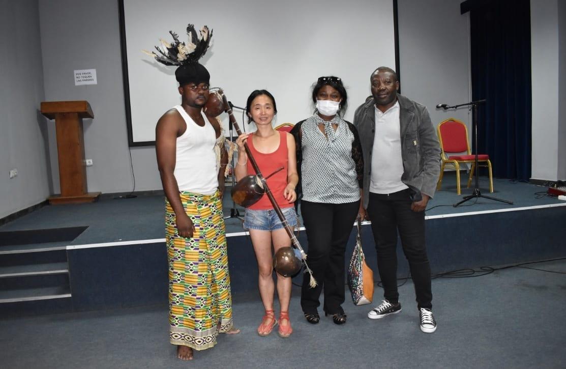 """El CCEG organiza un aperitivo del Nvet Oyeng con el trovador """"Plwakoro"""" a la escena"""