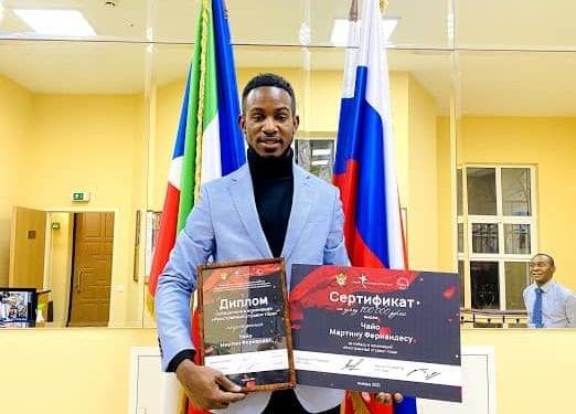 El estudiante ecuatoguineano Martín CHAYO FERNÁNDEZ, galardonado mejor estudiante extranjero en MIREA-Universidad Tecnológica Rusa