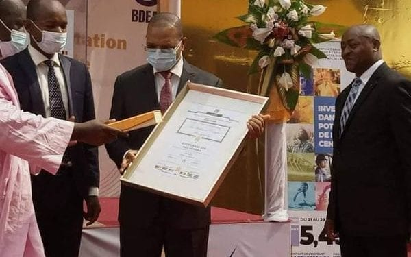 Fortunato OFA MBO NCHAMA recibe el premio Panafricano de Mejores Prácticas de Gestión 2020