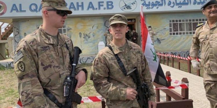 Un ataque con cohete en Irak mata a un extranjero e hiere a varios contratistas estadounidenses