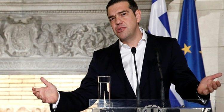 Primer ministro griego acusado de hacer alarde de las reglas de bloqueo