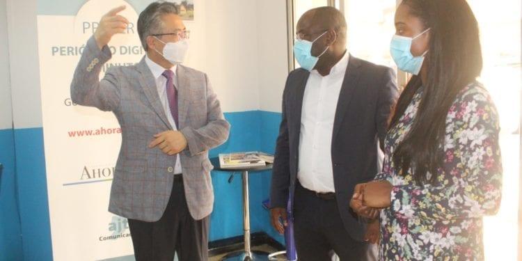 Woo Hongkoo, nuevo embajador del Corea del Sur visita las oficinas del periódico digital Ahora EG