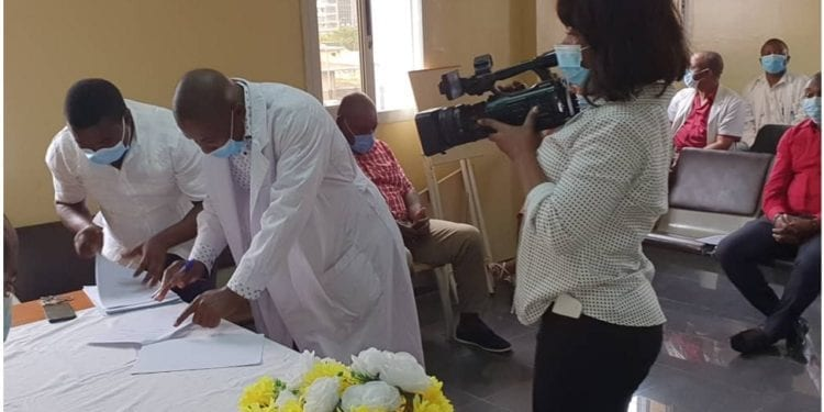 Traspaso de carteras en el Hospital Regional de Malabo