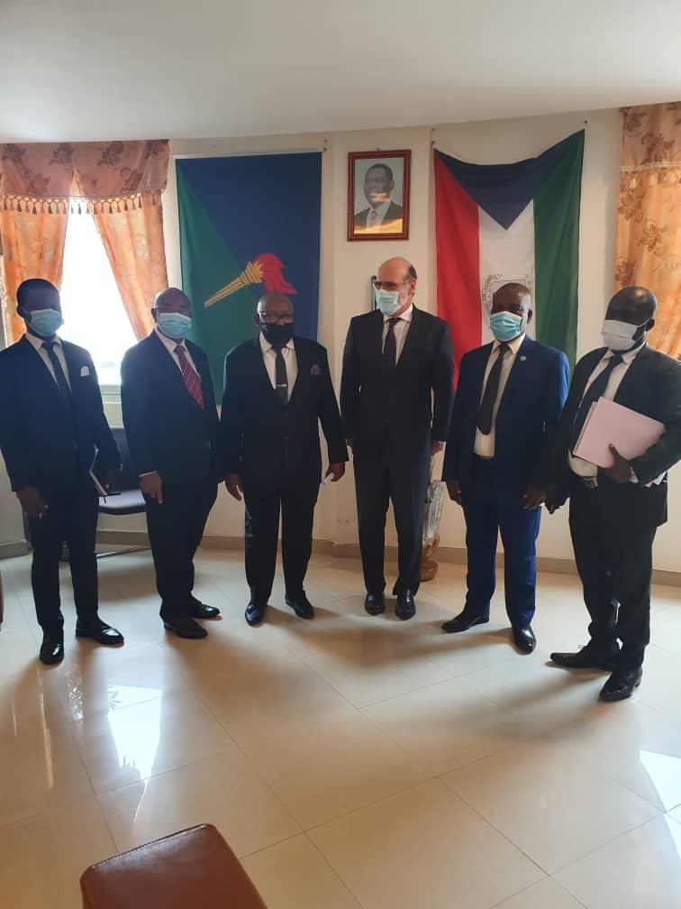 El Embajador de España, Alfonso Barnuevo visita la Cámara de Comercio de Bioko en el marco de los encuentros que mantiene con personalidades ecuatoguineanas.