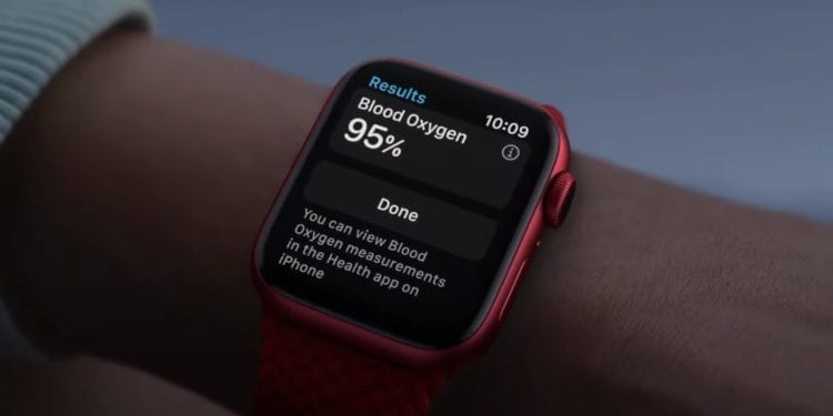 Si tienes un Apple Watch vas a poder (por fin) desbloquear tu iPhone con la mascarilla puesta