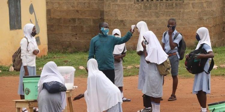 Secuestradas cerca de 300 alumnas en un nuevo ataque contra una escuela en el noroeste de Nigeria