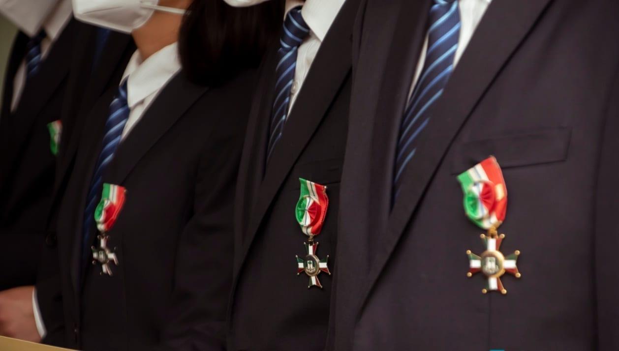 Guinea Ecuatorial condecora a 21 médicos chinos con la medalla de la órden de la independencia