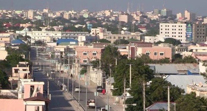 Los combatientes de Al-shabab toman el control de la mayor parte de la capital, Mogadiscio