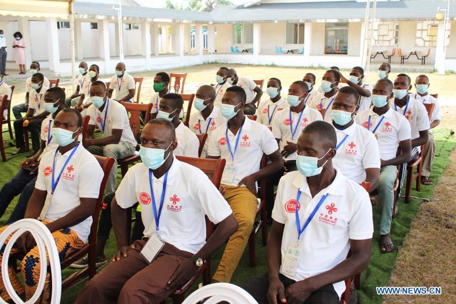 Benin, el principal productor de algodón de África, se basa en la experiencia china en maquinaria