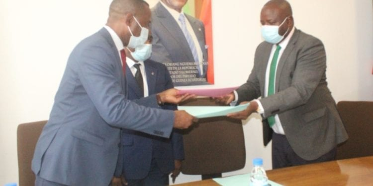 BANGE e INPYDE ratifican el acuerdo de concesión de créditos a los emprendedores nacionales