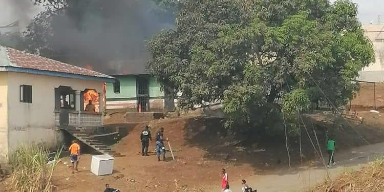 Incendio en un bar detrás del Ministerio de Seguridad en Malabo