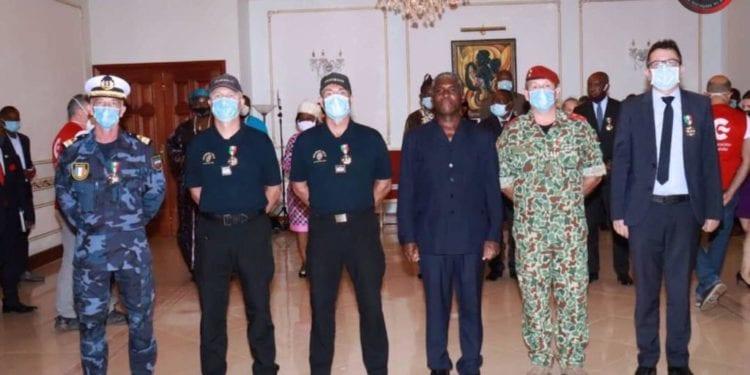 Condecoración a los contingentes de España, Francia, Camerún y las agencias de la ONU que asisten a las víctimas del 7M en Bata