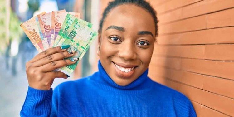 El Banco Africano de Desarrollo proporciona 320 000 dólares en subvenciones para incorporar la perspectiva de género en las operaciones financieras digitales de la CEDEAO