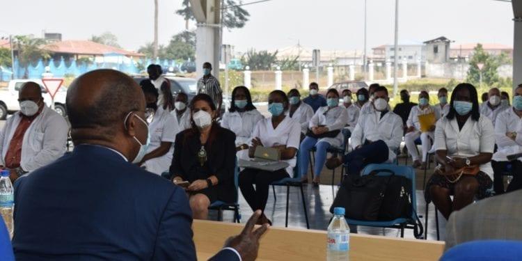"""Covid-19: El ministro de sanidad sobre la pandemia. """"nuestros sanitarios están dando lo máximo para salvar vidas humanas"""""""